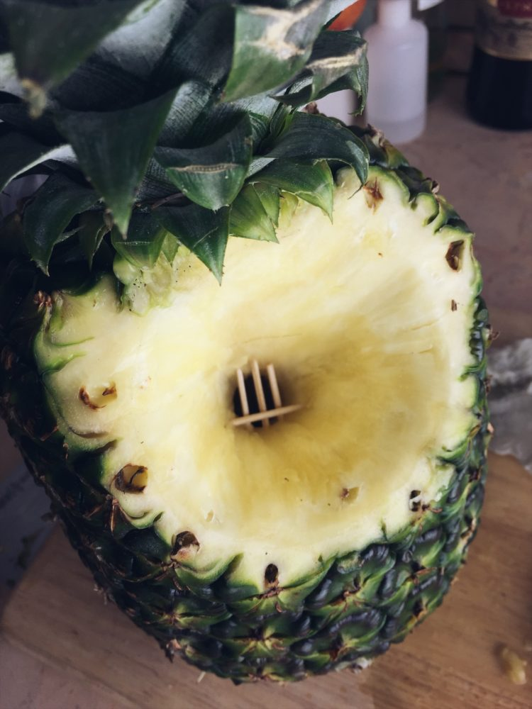 Кальян на ананасе с двумя калаудами